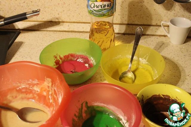 """Приготовить любимое тесто для блинов, разложить в 5 мисочек. Окрасить тесто разным соком и 5-ю миску оставить белого цвета. Также добавить в каждое тесто по 1/2 ч. л. растительного масла ТМ """"Олейна"""""""