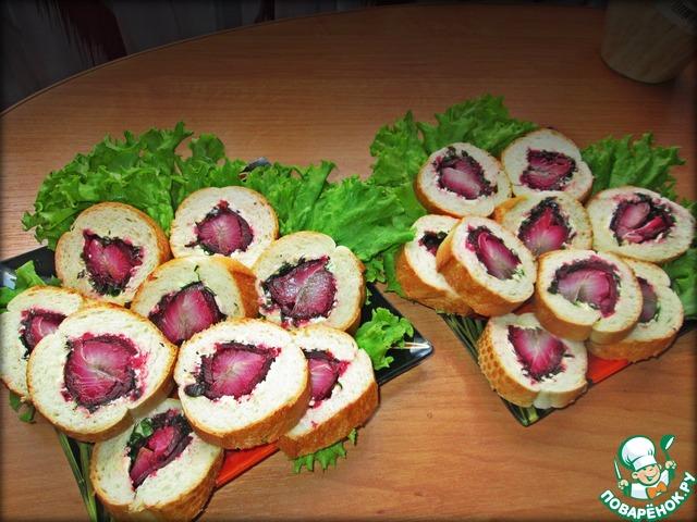 7. Далее достать и нарезать на бутерброды.    Приятного аппетита!