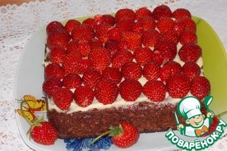 Шоколадный пирог с хлопьями и клубникой
