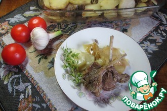 Ребра ягненка с луком и картофелем