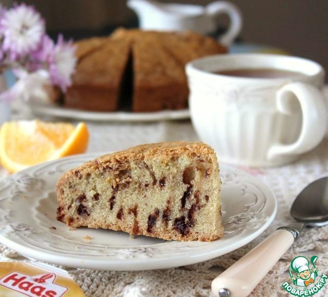 Пирог нарезать на кусочки и подавать к чаю.