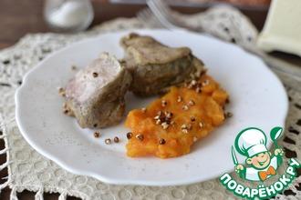 Мясо утенка с оранжевым гарниром