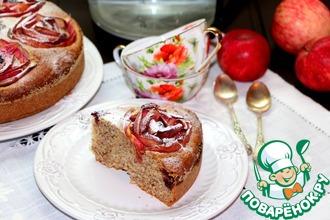 Миндальный пирог с яблоками и ежевикой