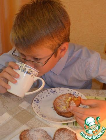 Готовила сегодня на завтрак, сын на запах вскочил моментально, умылся, оделся, кровать заправил... даже не будила)))