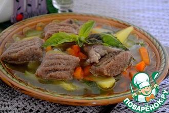 Овощной суп с курицей и клецками