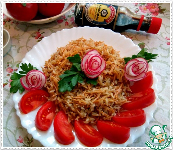 Блюдо довольно самодостаточно, но вполне сможет выполнить роль гарнира. В постные дни подаем со свежими овощами или соленьями.   В любой другой день прекрасно подойдет к рыбе или мясу.