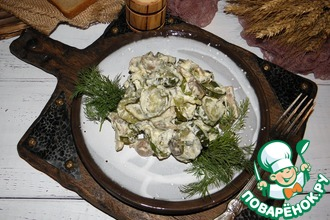 Огурцы с грибами, тушенные в сметане