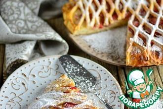 Творожно-дрожжевой пирог с клубникой