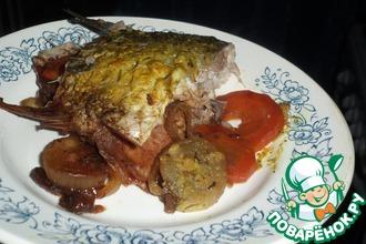 Рыба в фольге на овощной подушке