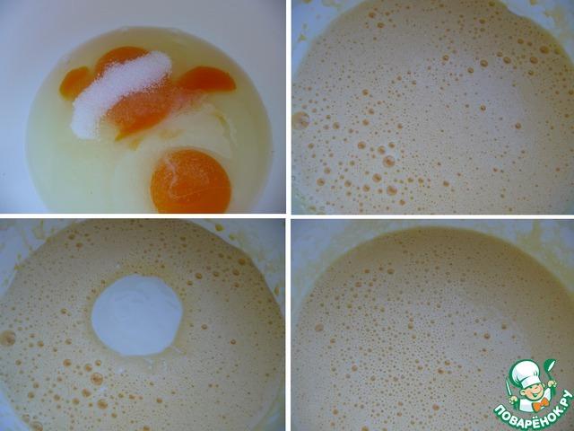 В кефир добавить лимонную кислоту.    Яйца взбить с солью и сахаром в крепкую пену.     Добавить кефир с лимонной кислотой, взбить.
