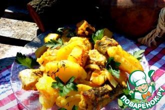 Картофель с рыбой в сметанно-горчичном соусе