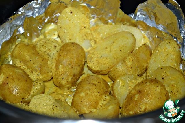 После звукового сигнала проверить картофель на готовность. При необходимости увеличить время запекания на 5-10 минут. (разные сорта картофеля готовятся разное время)