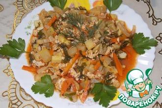 Кабачки с овощами в томатном соусе