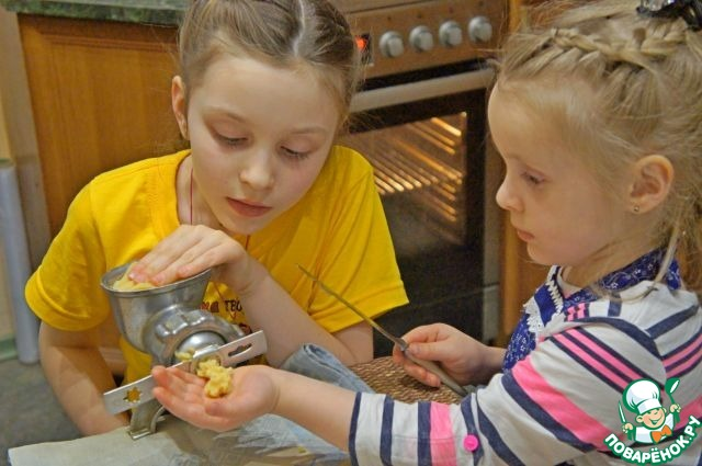 Я обещала внучкам, что сегодня мы будем делать волшебное печенье!