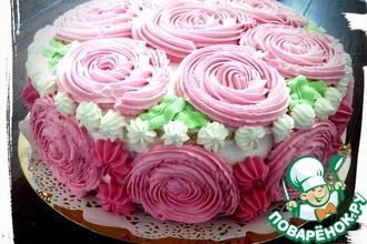 Торт со сливками и ягодным компоте