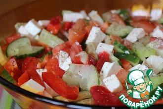 Овощной салат с сельдереем и фетой