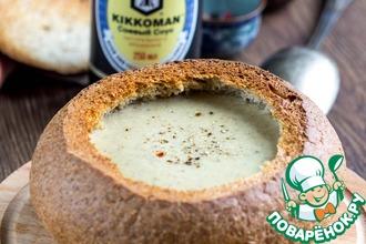 Сырный суп с грибами в хлебе