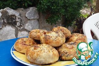 Греческие мини-питы с луком-пореем