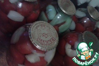 Помидоры консервированные с луком