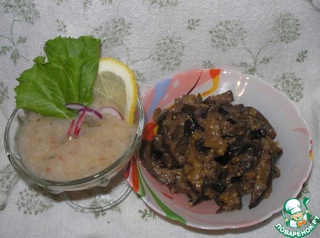 Подавать соус в креманке или соуснице к овощам, рыбе, мясу, а можно и просто к свежему хлебу.       Сегодня мой соус предлагаю к жареным баклажанам!!!        Угощайтесь на здоровье!!!        Приятного аппетита!!!