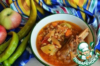 Бараньи голяшки в соусе с овощами