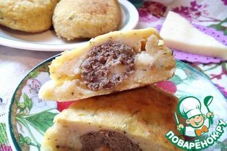 Сосиски с сыром в картофельной шубе