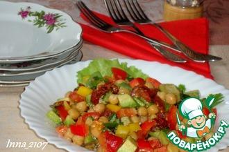 Салат с авокадо и нутом