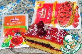 Бисквитное пирожное с вареньем и желе