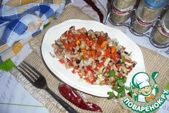 Салат с фасолью и чесноком