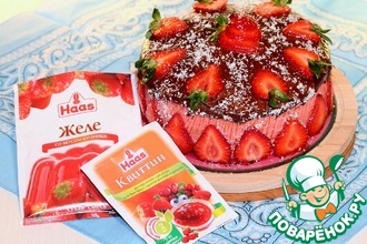 """Торт """"Орехово-клубничный"""""""