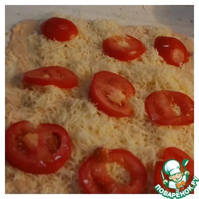 Укладываем помидор.