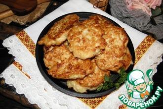Картофельно-куриные оладьи с сыром
