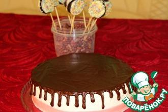 Торт сливочно-йогуртовый с вишневым конфи