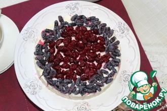 Сырно-грушевый десерт с ягодами