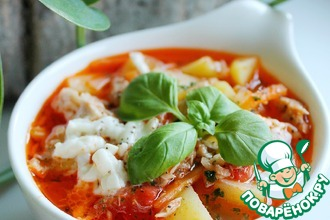 Томатный суп из тунца с моцареллой