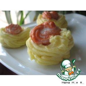 """Картофельные """"корзиночки"""" с лососевым муссом"""
