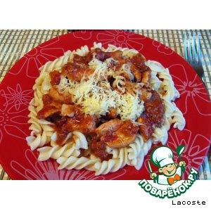 Паста с курино-томатным соусом