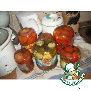 Маринованные огурцы и помидоры
