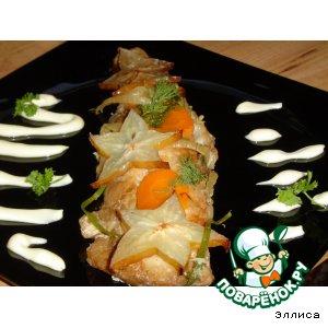 Рыба, запеченная под соевым соусом, с карамболой