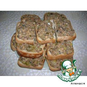 Горячие бутерброды с консервированной рыбой