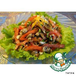 Салат с шампиньонами, сыром, помидорами
