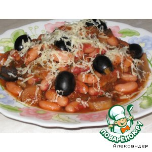 Грибы с фасолью в томате