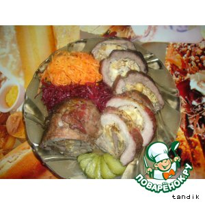 Пикантный орехово-сырный рулет с салатом по-корейски