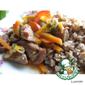 Мясная подливка с овощами