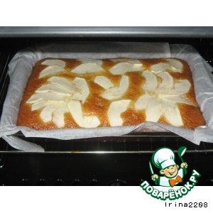 Постная медовая коврижка с кокосом и яблоком
