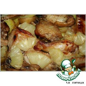 Куриные крылышки с медовой корочкой, запеченные с картофелем и ананасами