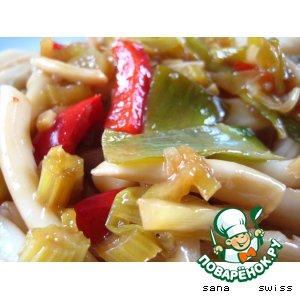 Рисовая лапша с кальмаром по-китайски