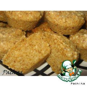Закусочные сухарные маффины с чесноком и орехами