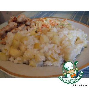 Рис с яблоком на гарнир