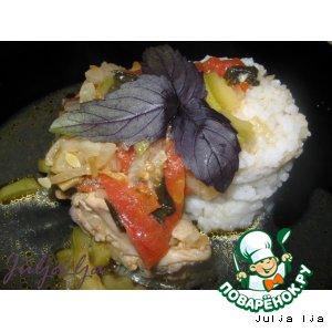 Курица с кабачками, томатами и базиликом